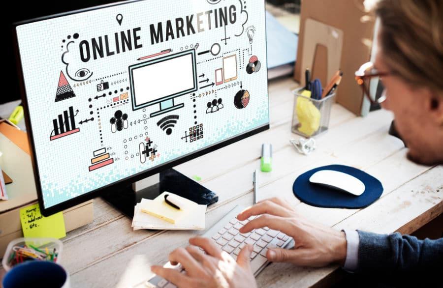Die-wichtigsten-Online-Marketing-Instrumente-fuer-ein-Unternehmen-ganzvorne